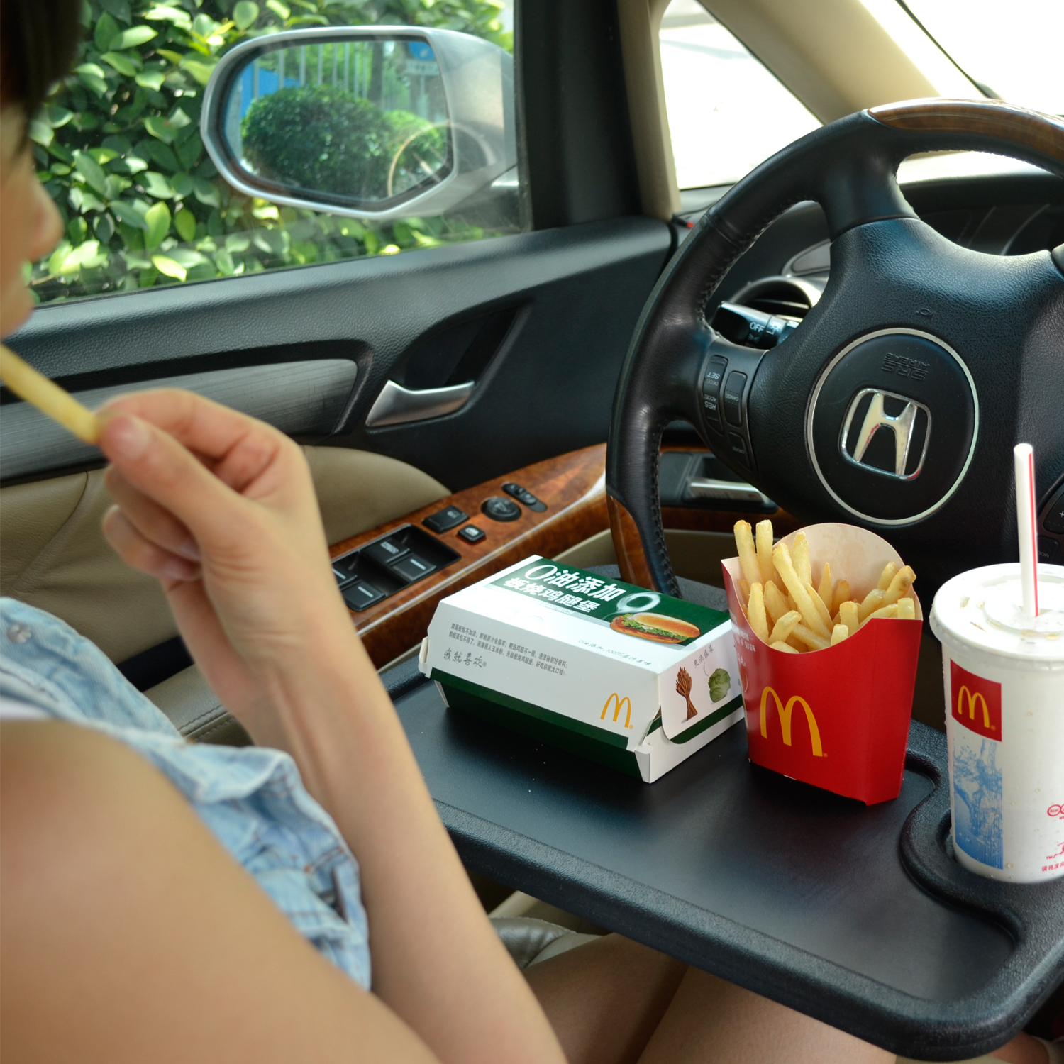 TFY Auto Desk Steering Wheel Attachment For Note Taking Laptop Or Tablet Rest Meal